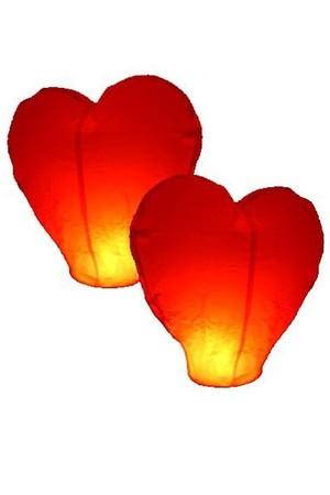 Небесен фенер червено сърце